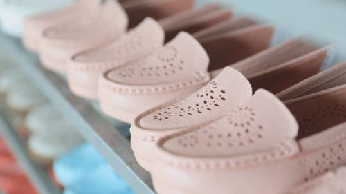 谢加军:用心为妈妈做一双好鞋