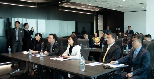 中國農業銀行專家領導蒞臨ACY稀萬證券總部進行深度指導交流