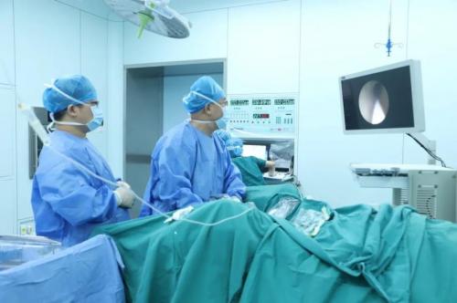 刷新高龄记录|我院泌尿外科联合麻醉科成功为百岁老人实施微创碎石手术