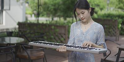 华芯康便携式电钢琴KD08