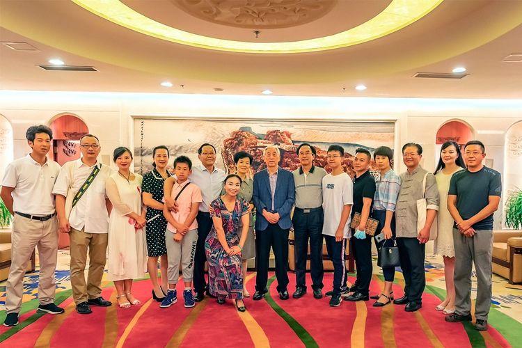 中国著名书法家徐荣双携弟子应邀出席张海八十初度新作展