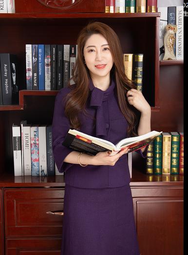 """""""人力资本家""""张晔女士采访记1: 抓住契机 - 加速企业成长之道"""