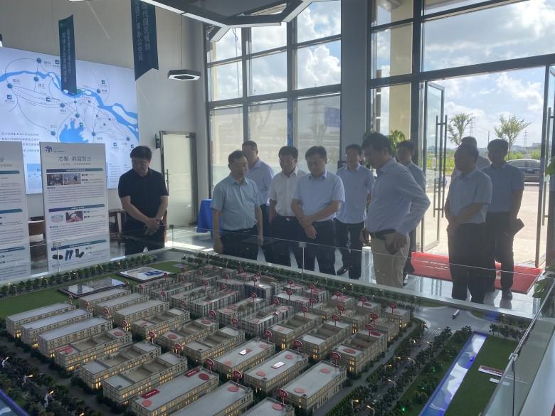 泰州工信局及靖江市领导一行调研考察芯聚鼎盛智谷项目