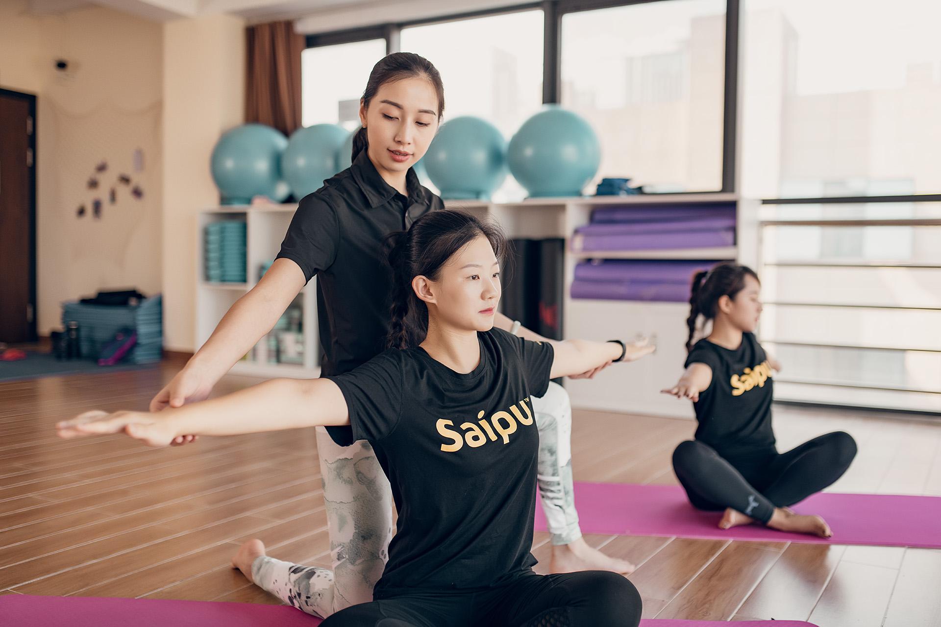 赛普健身教练培训基地普拉提训练
